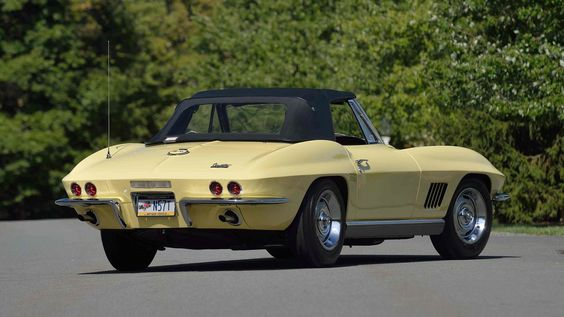 This 1967 Corvette for Sale will be at the Mecum Auction. It has a frame off restoration, and the experts estimate its value at $190,000 - $220,000. What a great Rear View!