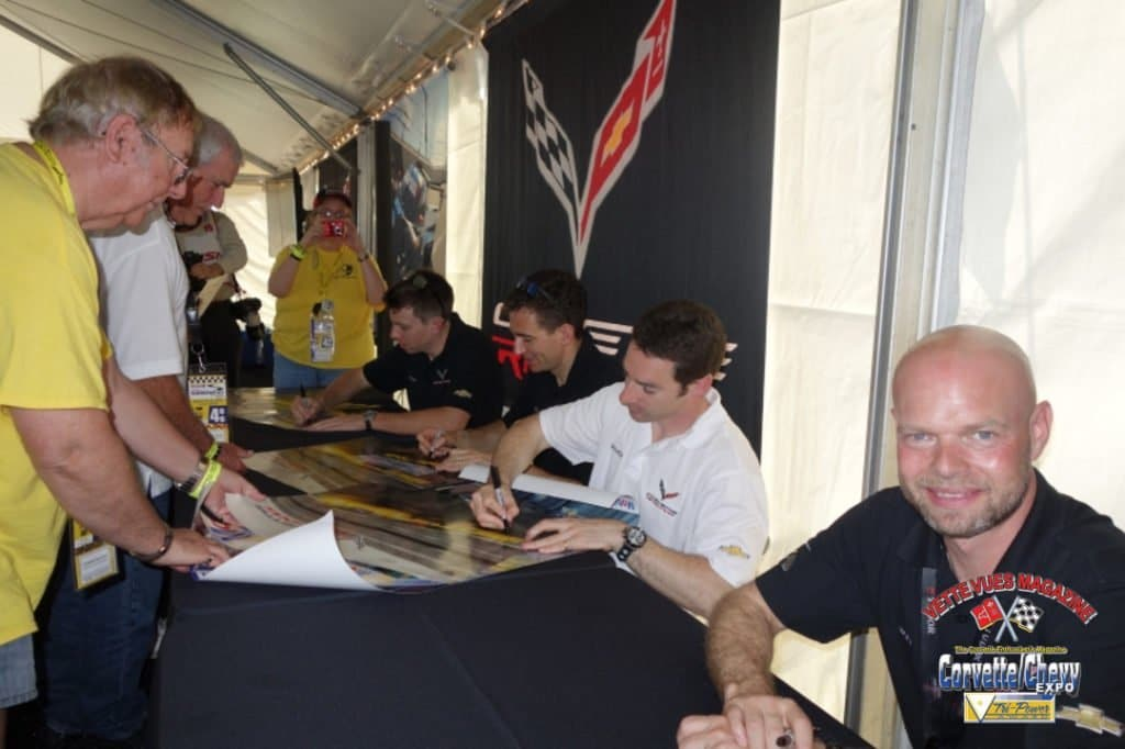 Thursday morning autograph session with Jan Magnussen.