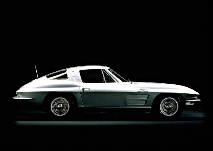 1963 Chevrolet Corvette Stingray © General Motors