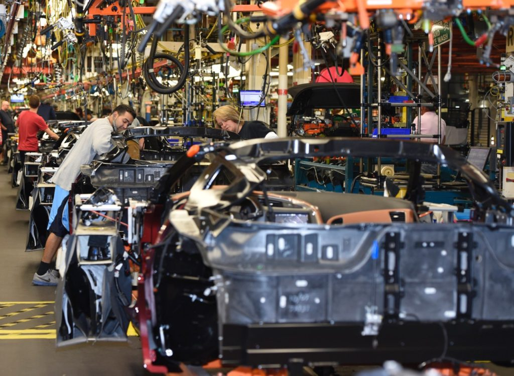 vette vues magazine info on corvette assembly plant tour closure for 2017in. Cars Review. Best American Auto & Cars Review