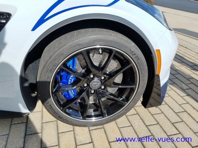 2018 Corvette Carbon 65 Edition Blue Brake Calipers   Black wheels with machined grooves paired with summer-only tires* (Cup-style wheels for Grand Sport and Blade-style wheels for Z06)
