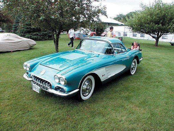 1958 Corvettes Photo Gallery at the 35th Bloomington Gold Corvette Show