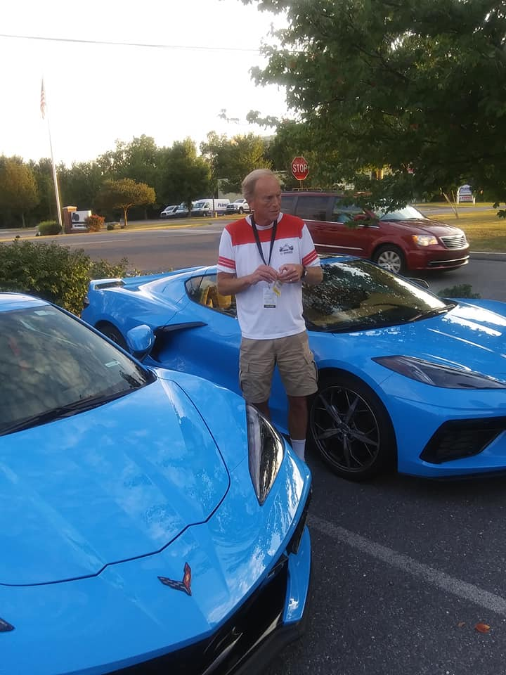 "Darlene Lipuma got is our next two photos of the Rapid Blue C8 Corvette Stingrays.  She tells Vette Vues ""Saw it in person. AMAZING color. The two in the picture with Tadge were the test mules, which might explain the slight difference in color."""