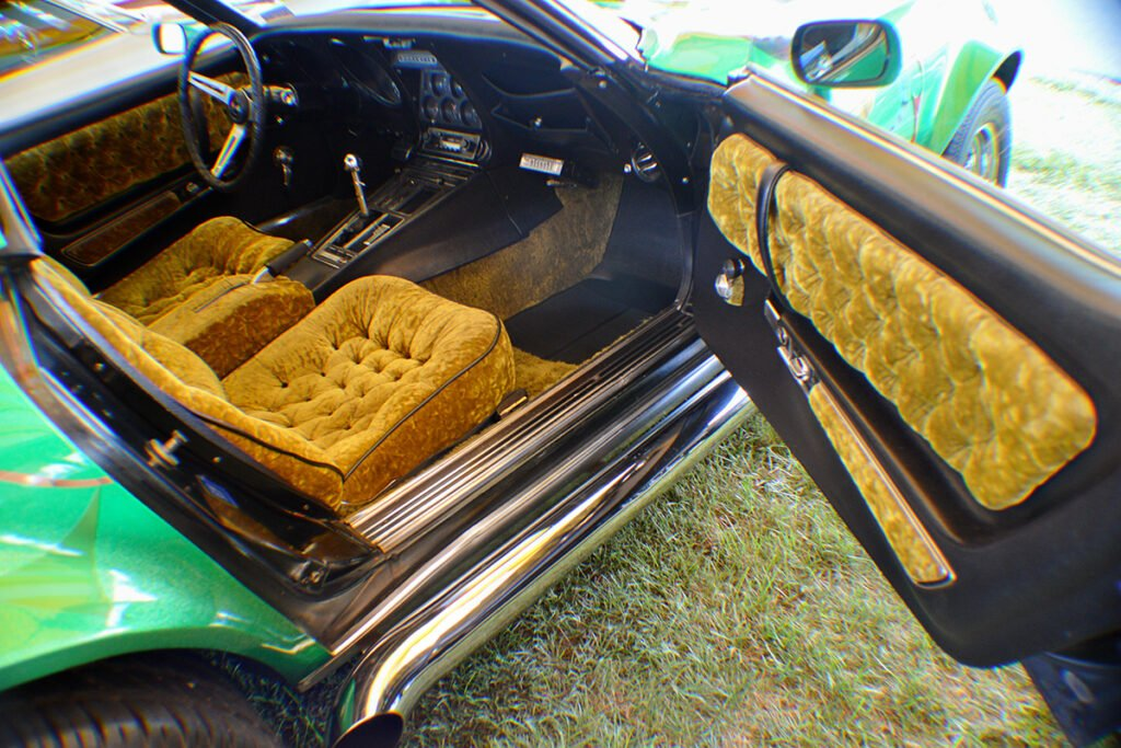 Kevin Livering's seventies custom 1969 Corvette interior.