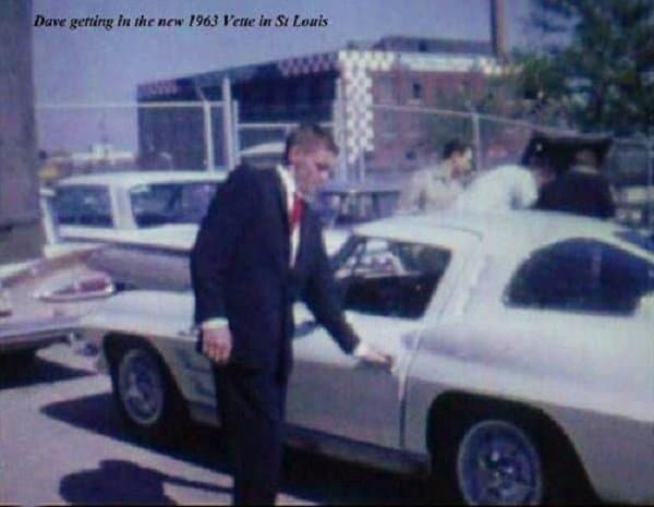 """There was no unique hood, fenders, wheels, or badges, aside from the standard """"Fuel Injection"""" badge on the front fender on the 1963 ZO6 Corvette Sting Ray."""
