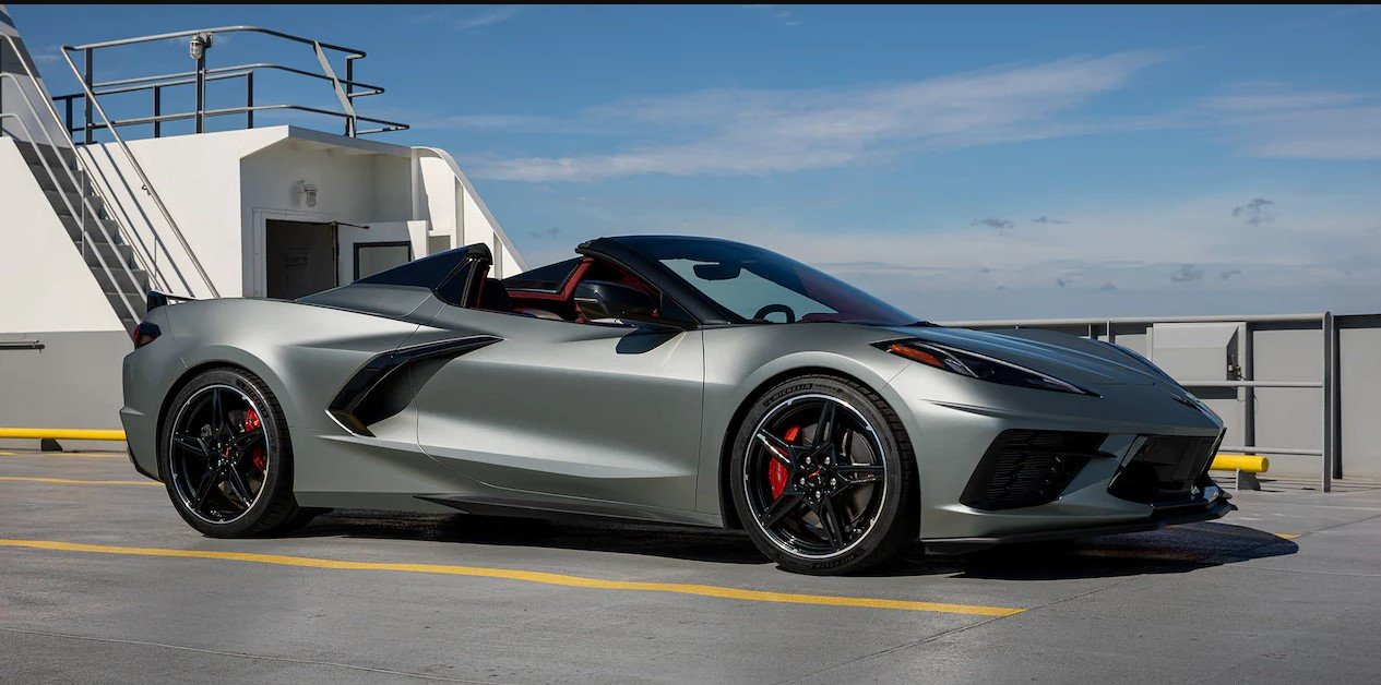 2022 Corvette in Hypersonic Gray
