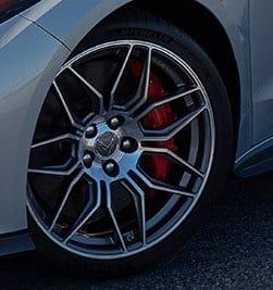 We also notice so new wheels on the 2023 Corvette ZO6.